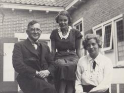 Met dochter en echtgenote
